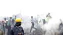 Un gigantesque incendie dû à une fuite d'essence a fait au moins 61 morts lundi dans un bidonville densément peuplé de Nairobi, au Kenya. /Photo prise le 12 septembre 2011/REUTERS/Noor Khamis