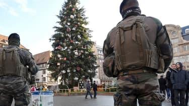 Des militaires de Sentinelle Place Kléber, à Strasbourg.