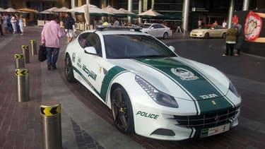 A Dubaï, les forces de l'ordre disposent d'un garage évoquant celui d'un milliardaire