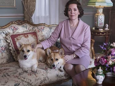 """Olivia Colman dans le le rôle d'Elizabeth II dans """"The Crown"""", saison 3."""
