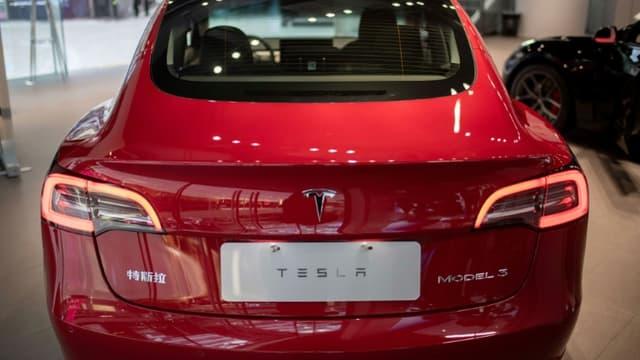 La tesla Model 3 dans un centre commercial à Pékin le 26 mai 2021