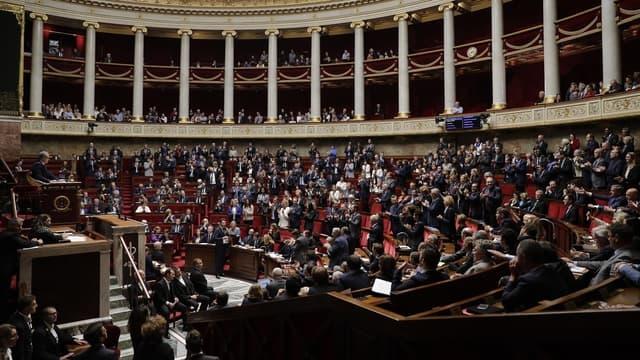 """""""Pacte apporte une pierre nouvelle à cet édifice qui va permettre à chaque Français de vivre de son travail et à l'économie de se redresser"""", a affirmé Bruno Le Maire après le scrutin."""
