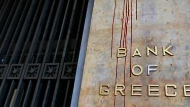La façade de la Banque nationale grecque le 13 février, après des manifestations anti-rigueur à Athènes.