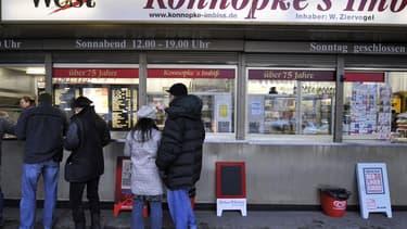 """Les patrons d'""""Imbissbuden"""" (snack-bars) sont outrés, car leurs nombreuses transactions modiques créent une montagne de bons à imprimer."""
