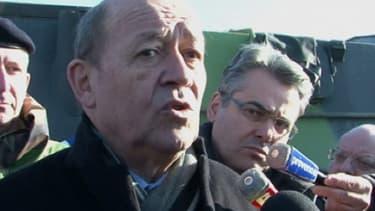 Jean-Yves Le Drian, le ministre de la Défense, à Miramas le 25 janvier 2013.