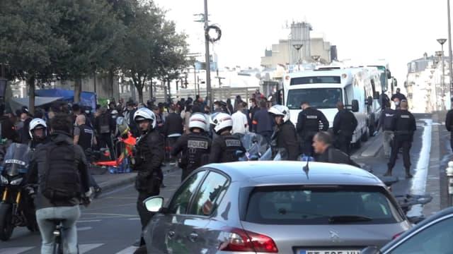Un important dispositif policier a été déployé ce vendredi dans le nord-est parisien.