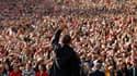 Au lendemain de la performance jugée médiocre de sa première confrontation télévisée, Barack Obama a critiqué jeudi son adversaire républicain Mitt Romney au cours d'une réunion publique qui a rassemblé 12.000 personnes à Denver, l'accusant notamment d'av