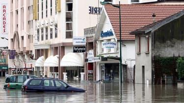 A Lourdes, l'eau est montée jusqu'au 1,40 mètres. De nombreux pèlerins ont dû être évacués.