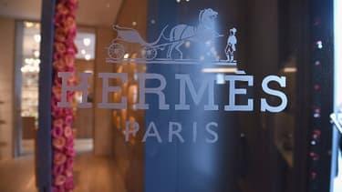 Hermès a choisi de lancer son propre site d'e-commerce en Chine en octobre 2018 et de s'y aventurer sans aucun partenaire.