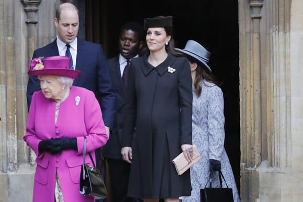 La reine Elizabeth II, le prince William et Kate Middleton