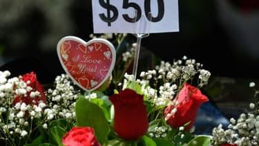 Un bouquet de roses en vente pour la Saint Valentin, le 13 février 2017 à Sydney, en Australie