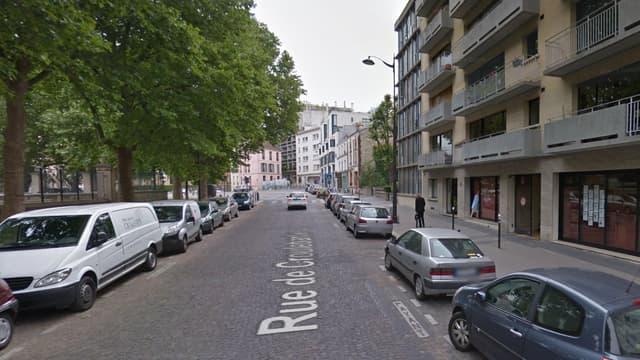 Les stylos-pistolets ont été trouvés par la police dans un immeuble de la rue de Croulebarbe, dans le 13e arrondissement de Paris.