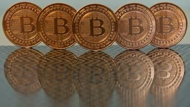 Le Bitcoin vit-il ses derniers mois ? Une nouvelle monnaie virtuelle pourrait bien le supplanter. L'Ether, développé pour améliorer les principes de base d'une monnaie virtuelle, pourrait bien devenir la nouvelle référence mondiale.