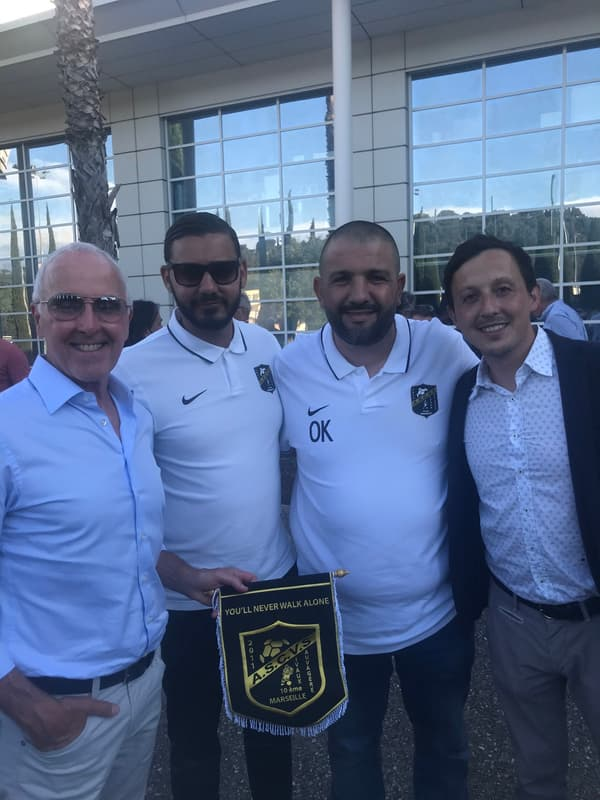 Frank McCourt (à gauche de la photo) a rencontré les clubs partenaires de l'OM