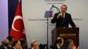 """Le Premier ministre turc Tayyip Erdogan à l'ouverture de la conférence des """"Amis de la Syrie"""", à Istanbul. Les délégués des 70 Etats représentés ne croient pas à l'engagement de Damas en faveur du plan de sortie de crise élaboré par Kofi Annan, émissaire"""