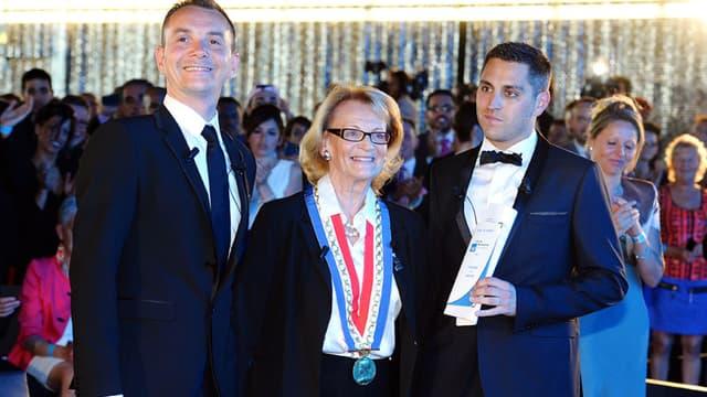Vincent Autin et Bruno Boileau, le premier couple d'hommes mariés en France, le jour de leur union par la maire de Mointpellier, Hélène Mandroux, le 29 mai 2013.