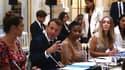 Emmanuel Macron à l'Élysée vendredi 23 août 2019, lors d'une rencontre avec des représentants du Conseil consultatif du G7 pour l'égalité entre les femmes et les hommes.
