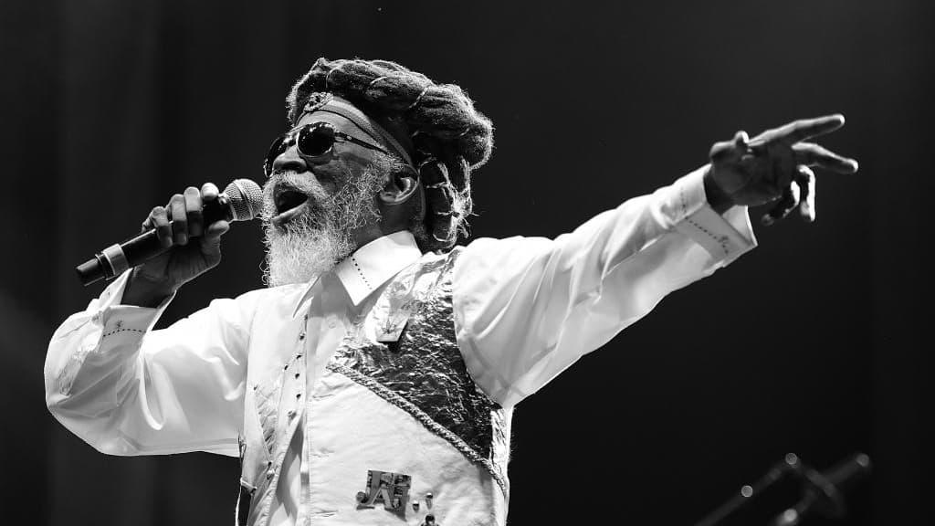 Mort de la légende jamaïcaine du reggae Bunny Wailer, membre fondateur des Wailers - BFMTV