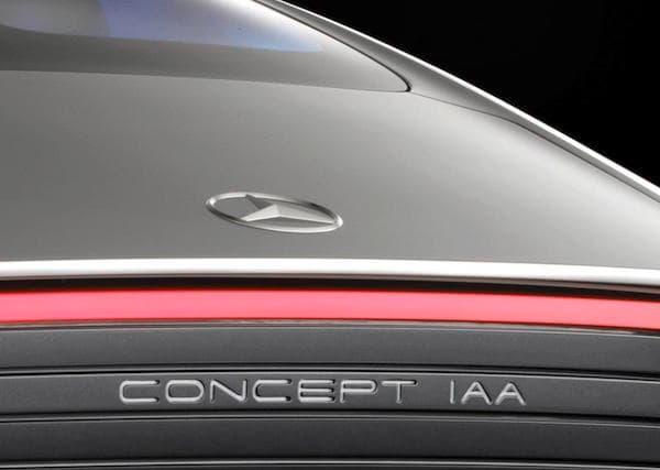 "Pour Mercedes, IAA signifie ""Intelligent Aerodynamic Automobile""."