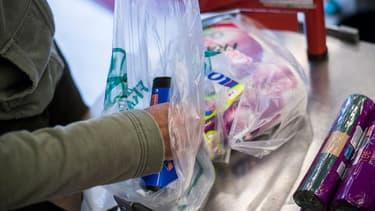 Les sacs plastiques seront interdits dans l'agglomération montréalaise en 2018 (photo d'illustration)