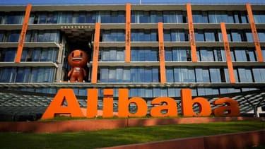 Alibaba a dévissé vendredi en réaction aux informations de Bloomberg