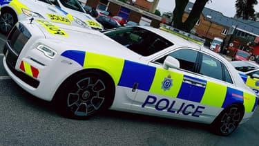 Une voiture de police longue de 5,40 mètres et équipée d'un V12, c'est forcément une Rolls-Royce Ghost.