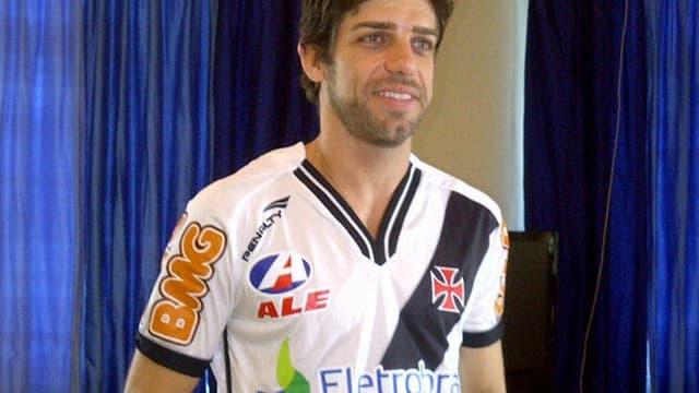 Juninho avec son nouveau maillot