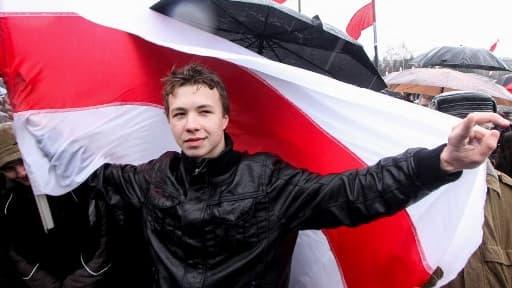 Le journaliste et militant d'opposition Roman Protassevitch le 25 mars 2012 à Minsk (Bélarus).