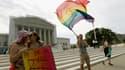 Des militants pro-mariage homosexuel devant la Cour suprême des Etats-Unis, à Washington, le 24 juin.