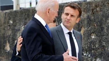 Le président américain Joe Biden et son homologue français Emmanuel Macron lors du sommet du G7 au Royaume-Uni, en juin 2021