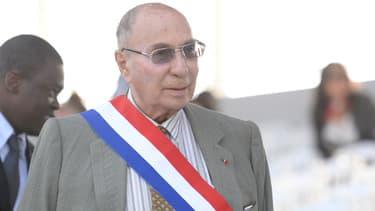 L'industriel Serge Dassault est mis en cause dans une enquête sur de possibles achats de vote à Corbeil-Essonnes