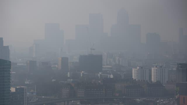 Pollution de l'air visible à Londres, Royaume-Uni, en avril 2014. (Photo d'illustration)