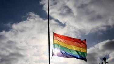 Le drapeau gay, image d'illustration.