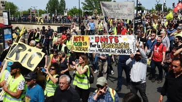 Manifestation des gilets jaunes à Bordeaux le samedi 20 avril.