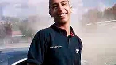Mohamed Merah dans une vidéo amateur tournée il y a plus d'un an.