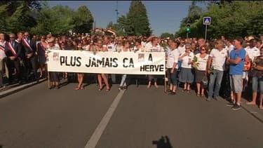 Attentat en Isère: des centaines de participants à une marche blanche