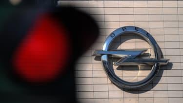 La filiale de PSA est désormais visée par une procédure concernant des soupçons de trucage de ses moteurs diesel via des logiciels douteux.