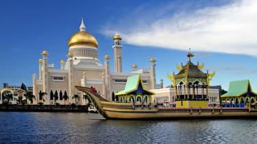 Illustration - Une des célèbre mosquée au dôme doré de Brunei