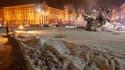 Dans le centre de Kiev. Vingt et un nouveaux décès ont été enregistrés ces dernières 24 heures en Ukraine, où le bilan de la vague de froid s'élève désormais à 122 morts. /Photo prise le 3 février 2012/REUTERS/Gleb Garanich