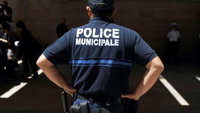 Des policiers ont été caillassés à deux reprises en portant secours à deux personnes dans un quartier sensible (illustration).