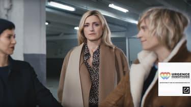 """Julie Gayet dans le clip de """"De l'amour"""", contre 'lhomophobie."""