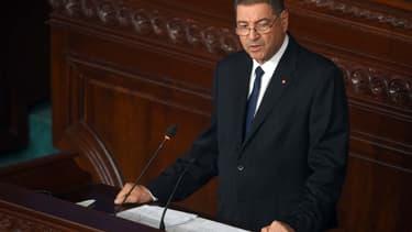 Le Premier ministre Habib Essid parle au Parlement tunisien, le 5 juin 2015.
