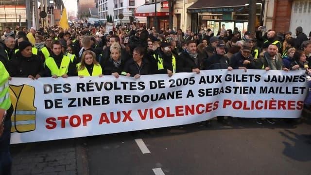 350 personnes se sont réunies à Argenteuil