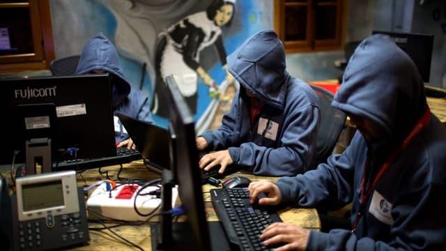 Des personnes suivants un programme de défense contre les cyber-attaques en Israël, en octobre 2013 (photo d'illustration)