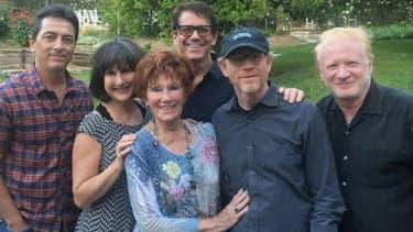 La photo du casting de Happy Days, réunis pour les obsèques de Erin Moran, le 3 mai 2017.