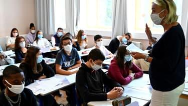 Cours dans une école à Rennes le jour de la rentrée le 1er septembre 2020