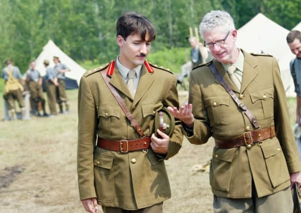 "Justin Trudeau sur le tournage ""The Great War"" -"