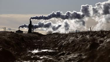 Les gaz à effet de serre émis par l'Union européenne, qui ont diminué de 3,3% en 2011, sont retombés à leur plus bas niveau depuis 1990. /Photo d'archives/REUTERS/Stoyan Nenov