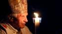Le pape Benoît XVI, qui présidait à la veillée pascale samedi soir à la basilique Saint-Pierre de Rome, a estimé que le progrès technologique, sans conscience de Dieu et sans valeurs morales, constitue une menace pour le monde. /Photo prise le 7 avril 201