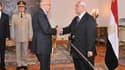 Mohamed ElBaradei (à gauche), ancien directeur général de l'AIEA, a été investi dimanche vice-président chargé des questions internationales par le président égyptien par intérim Adli Mansour. Alors que les Frères musulmans ont appelé à de nouvelles manif